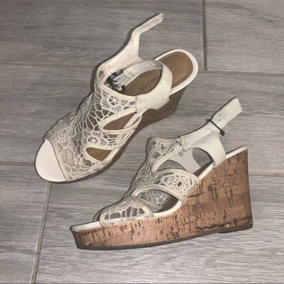 American Eagle Outfitters Shoes - WOMENS SIZE 6 AMERICAN EAGLE WEDGE SANDALS